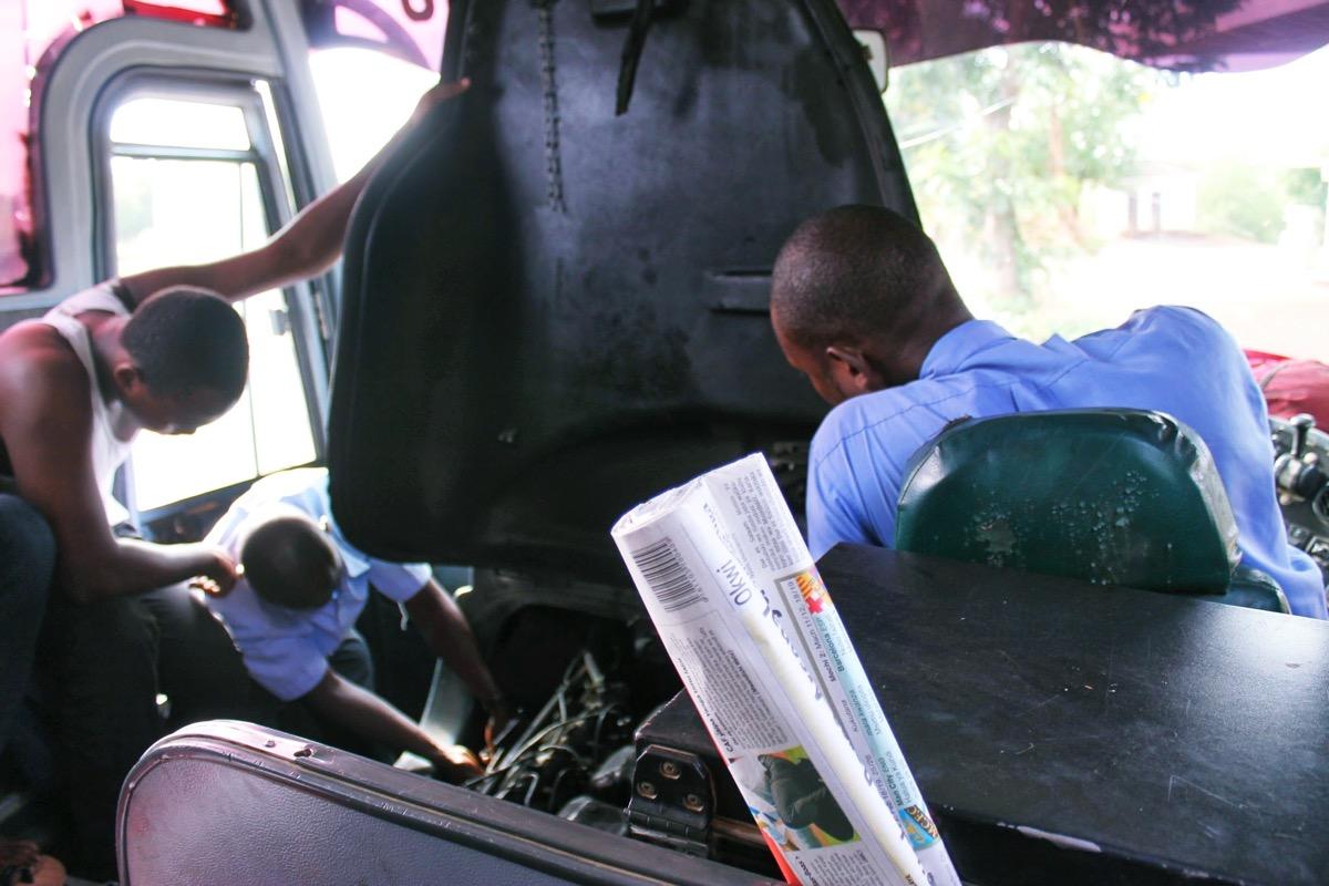 バスの故障