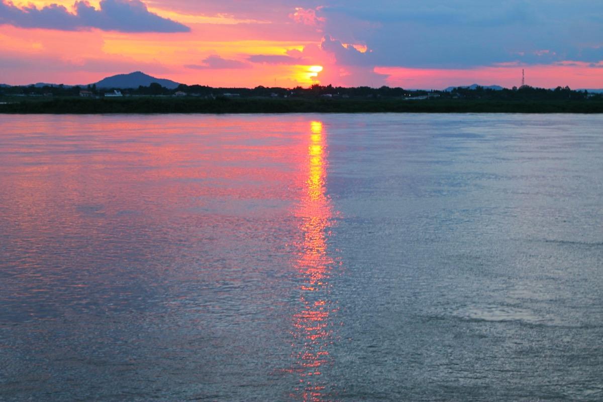 メコン川の夕日 @サワンナケート